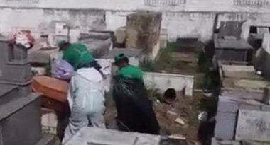 SAJ: Vídeo mostra coveiros sem proteção adequada em enterro de vítima de Covid-19